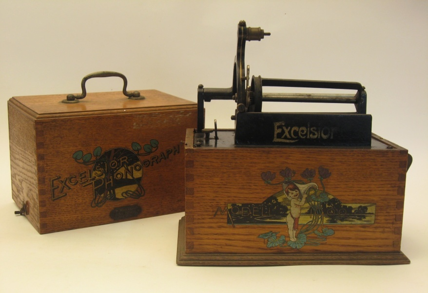Phonograph Excelsior Modell 1900 (Kreismuseum Bitterfeld CC BY-NC-SA)