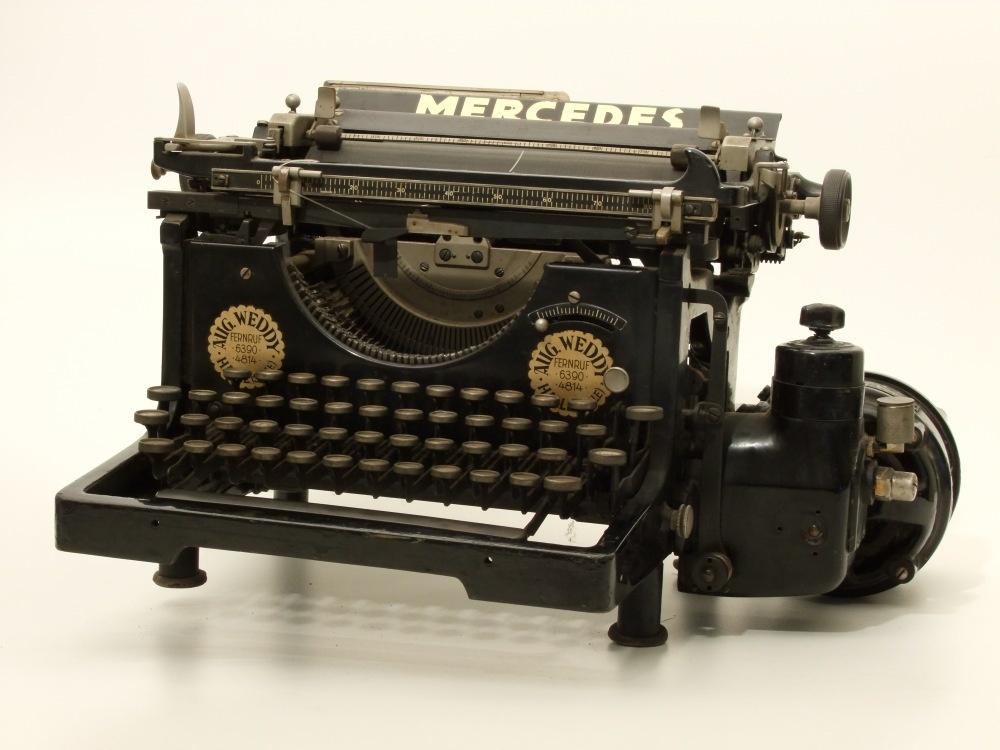 schreibmaschine mercedes elektra kreismuseum bitterfeld. Black Bedroom Furniture Sets. Home Design Ideas