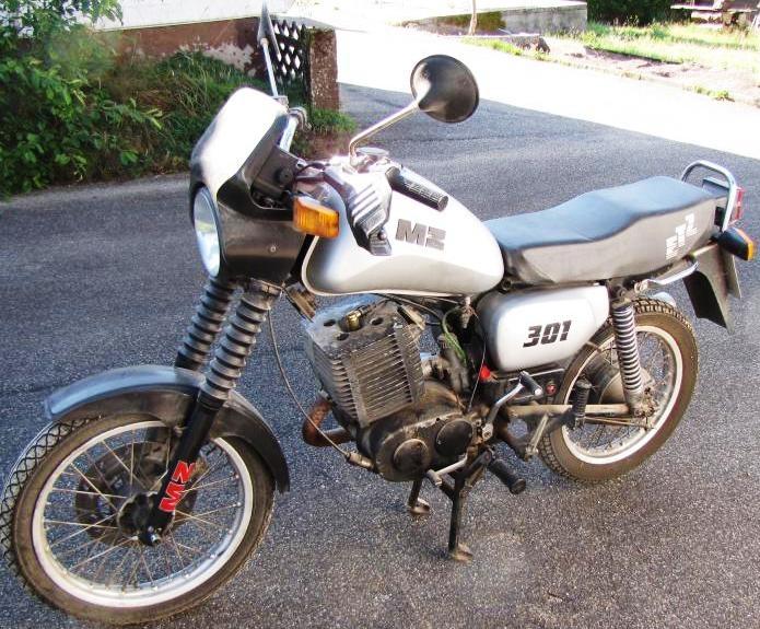 fahrzeugmuseum sta furt motorrad mz etz 301 von 1990 in. Black Bedroom Furniture Sets. Home Design Ideas