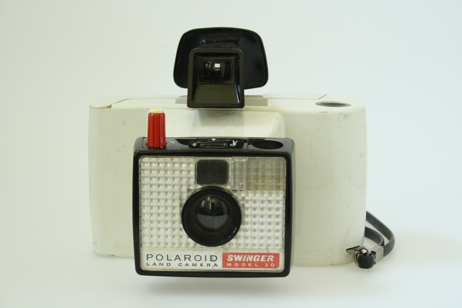 Polaroid Swinger Model 20 (Industrie- und Filmmuseum Wolfen CC BY-NC-SA)