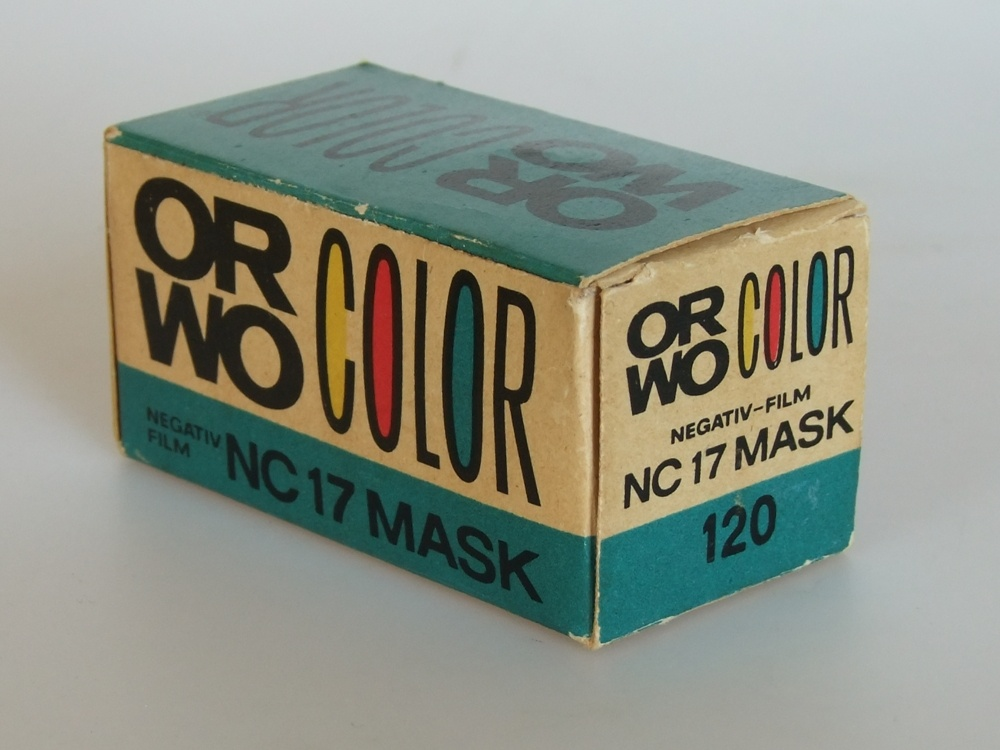 Orwo Color NC 17 Mask 120er Rollfim (Industrie- und Filmmuseum Wolfen CC BY-NC-SA)