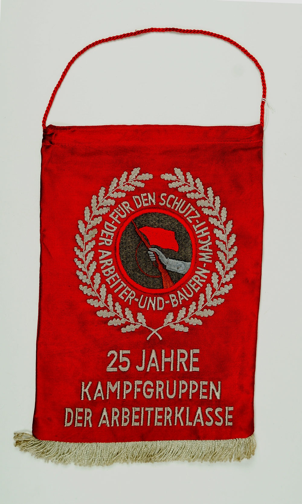 Wimpel, 25 Jahre Kampfgruppen der Arbeiterklasse, DDR 1978 :: Museum  Weißenfels - Schloss Neu-Augustusburg :: museum-digital:sachsen-anhalt